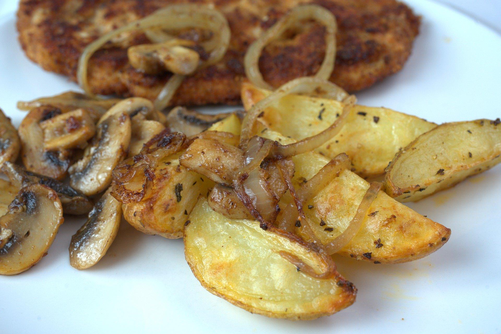 Poêlée persillée de pommes de terre primeur et champignons